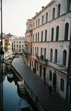 Residenza de l'Osmarin: Artist's Room View: March Morning