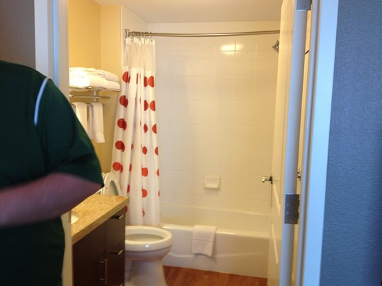 TownePlace Suites Shreveport-Bossier City: Spotless bathroom