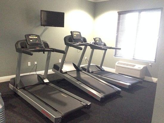 Ayres Hotel Fountain Valley/Huntington Beach: Treadmills