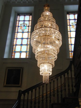 Nanteos Mansion: Just one of the many beautiuil chandeliers
