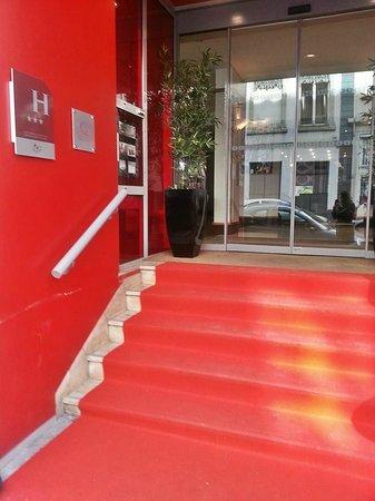 Hotel Axotel Lyon Perrache: The entrance