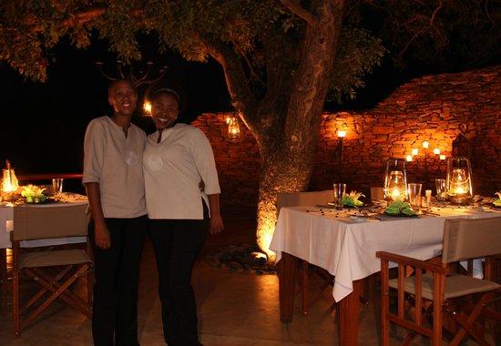 Royal Madikwe Luxury Safari Lodge : Braaii with Eva and Unice