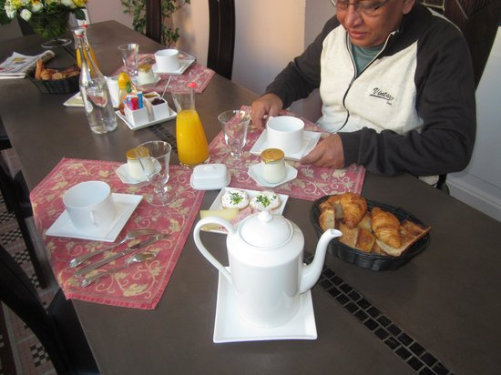 La Halte Montaigne : Breakfast