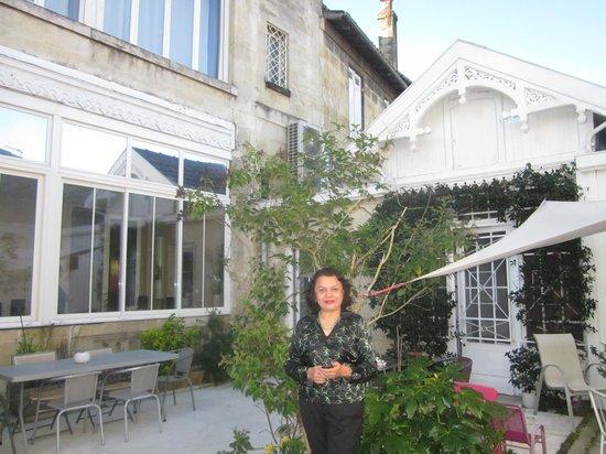 La Halte Montaigne : the garden sit out