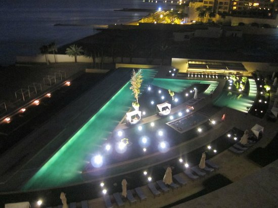 Kempinski Hotel Aqaba Red Sea: Вид из нгомера вечером