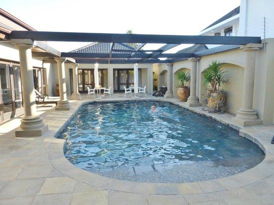Manor 38 : Swimming pool