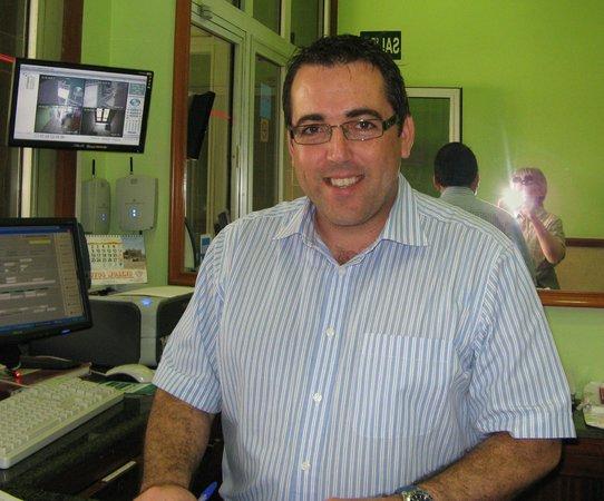 Apartamentos Brisamar Canteras : Felix - en supertrevlig receptionist