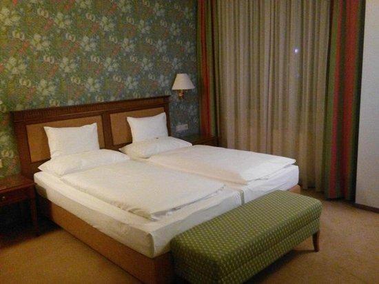 Hotel Am Parkring: Спальня