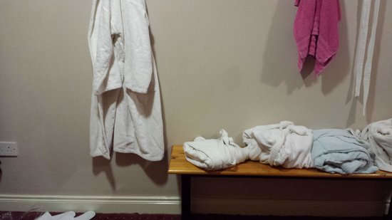 Bloomfield House Hotel, Leisure Club & Spa: changing room in spa