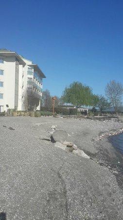 Richmond Nua Wellness Spa: gölden otele bakış