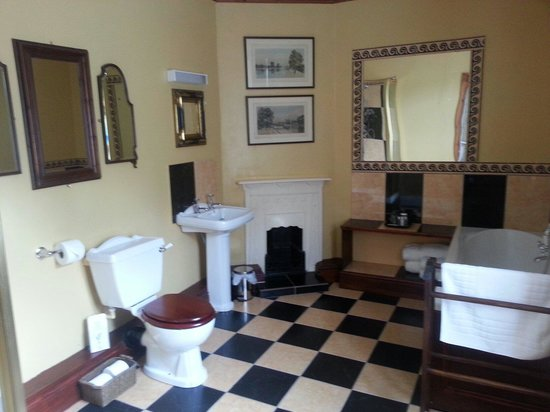 The Old Registry Haworth: The Memories Room En-Suite Bathroom