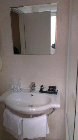 Hotel Club House Roma: Le lavabo