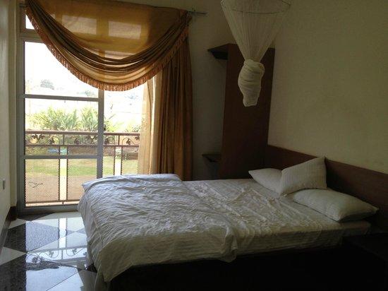 Grand Global Hotel: room