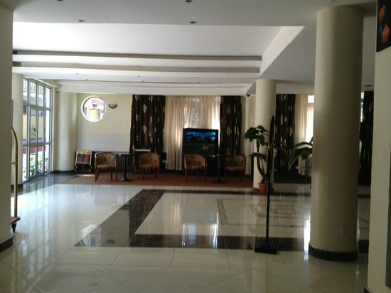 Grand Global Hotel: hotel entrance