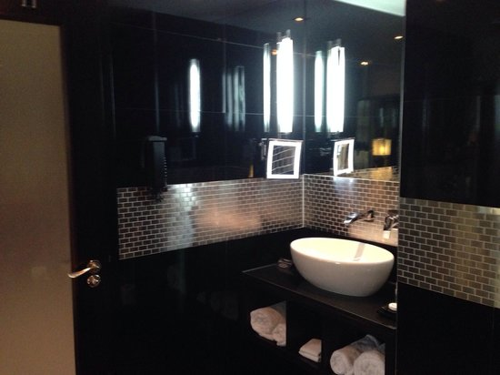 The Montcalm at the Brewery London City: Lovely bathroom