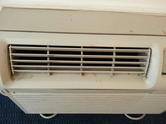 Knights Inn Clearwater: Air conditioner