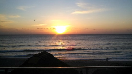Ocean Manor Resort Hotel: View from our room-Sunrise