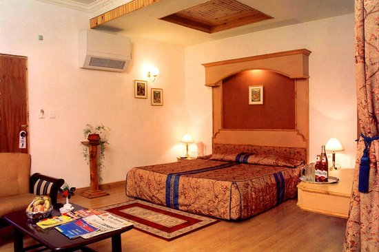 Manali Heights: Superior Luxury