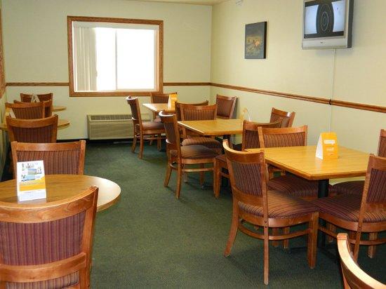 Quality Inn Livingston: Breakfast Dining Area