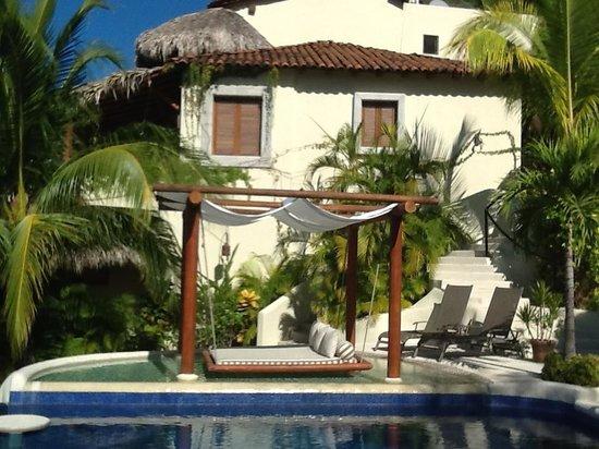 Hotel Cinco Sentidos: Hotel Pool