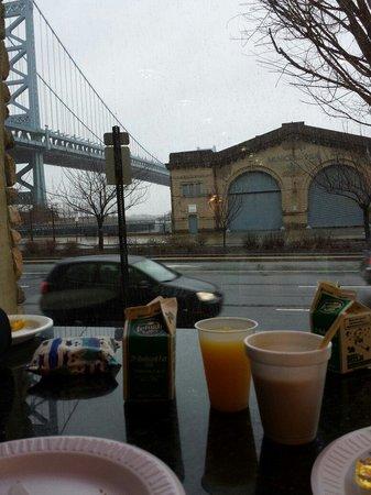 Holiday Inn Express Philadelphia E - Penns Landing: Frühstück/breakfast