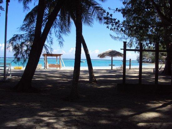 Fantasy Island Beach Resort: Zona de la playa frente a mi habitación