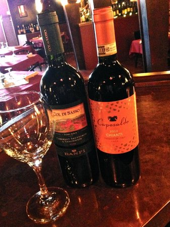 Tomavinos Pizzeria: Come check out our wine list!
