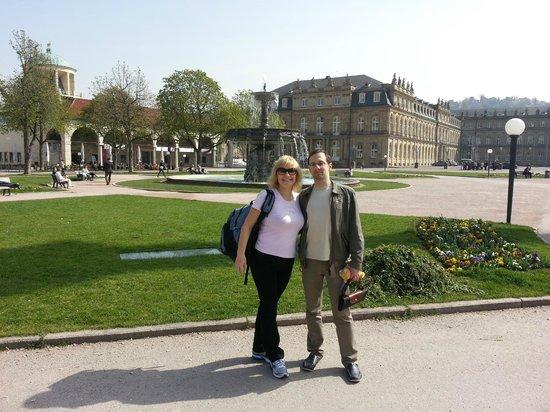 Palace Square (Schlossplatz) : Фонтаны и замки