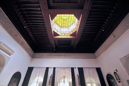 Riad 72 : The Karma Suite's ceiling