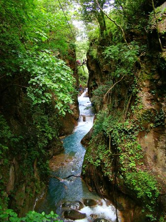 Issys Tours Costa Rica: canyons