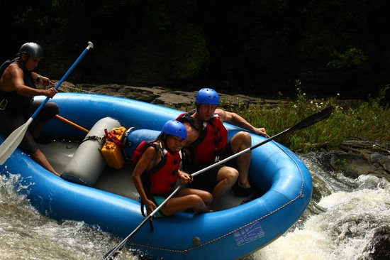 Issys Tours Costa Rica: rafting tenorio