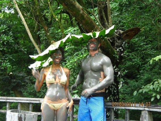 Issys Tours Costa Rica: mud baths