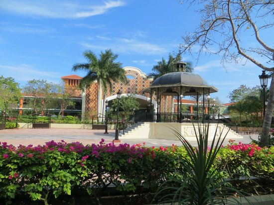 IBEROSTAR Paraiso Del Mar : Le '' Shopping Centre ''
