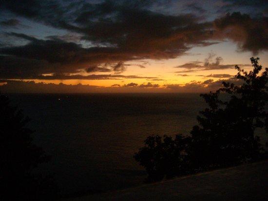 Windjammer Landing Villa Beach Resort : Der Sonnenuntergang von der privaten Poolterrasse