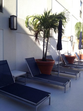 Sonesta ES Suites Orlando - International Drive: 2nd level sun deck