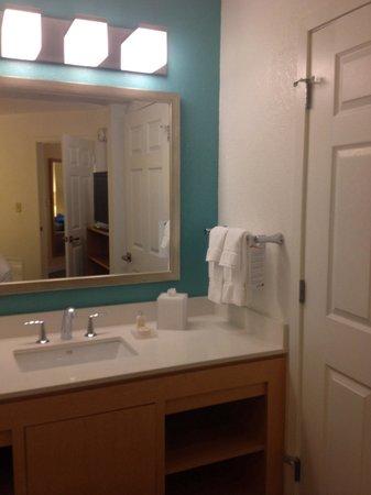 Sonesta ES Suites Orlando: Bathroom vanity
