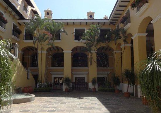 Costa Rica Marriott Hotel San Jose : Inner courtyard