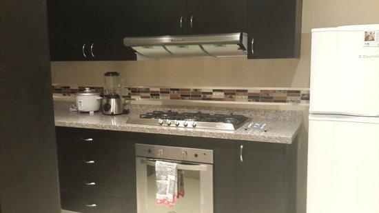 Cocina Apartamento Vit - Picture of BlueZone Apartments, Quito ...