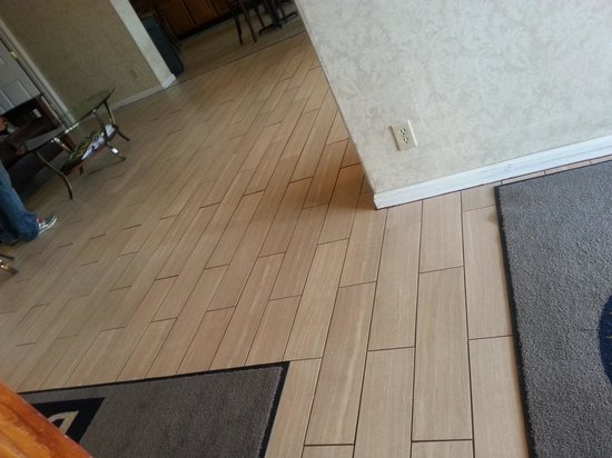 Days Inn Monroeville Pittsburgh: NEW Lobby floor