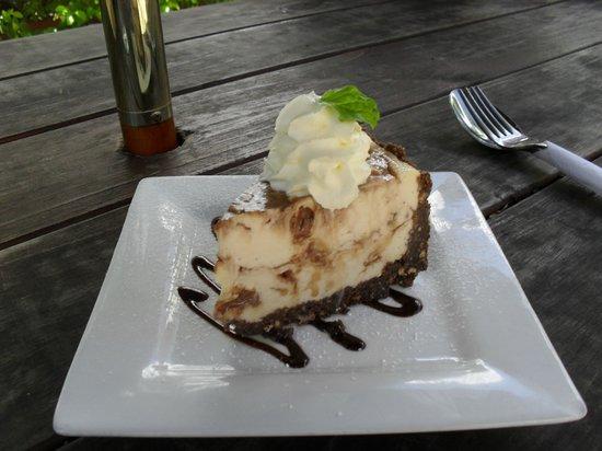 Coco Latte : Mars Bar Cheesecake - scrumptious !!