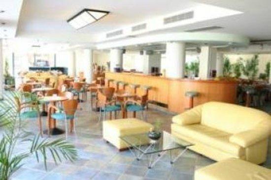 Flisvos Royal Hotel: σαλόνι