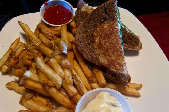 Burnt Toast Cafe: sandwich