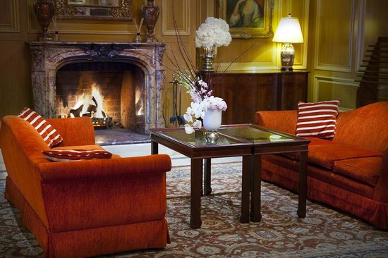 Sir Stamford at Circular Quay Hotel Sydney: Lobby - Fireplace