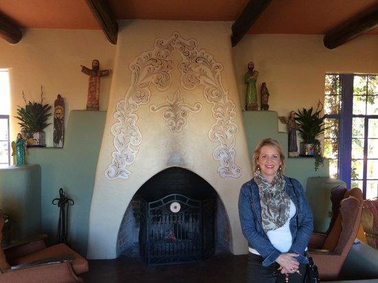 Hacienda Del Sol Guest Ranch Resort : The lobby