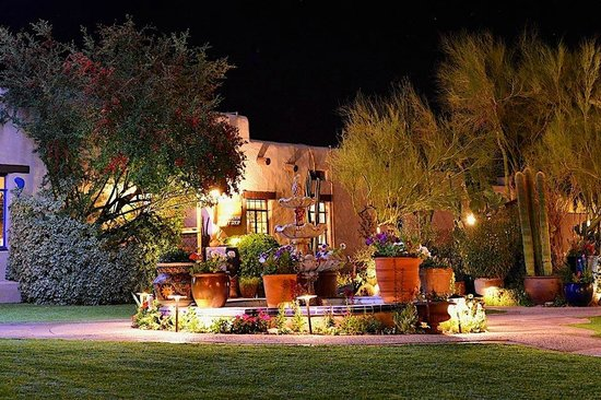 Hacienda Del Sol Guest Ranch Resort : At night