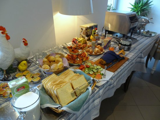 Palazzo Jannuzzi Relais: Yum!  Best breakfast buffet.