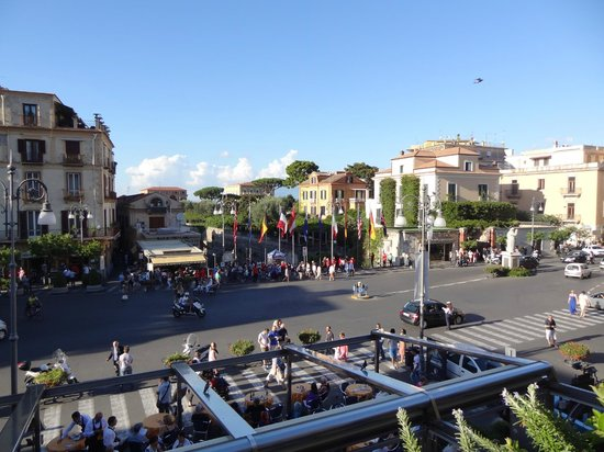 Palazzo Jannuzzi Relais : View of main square from balcony
