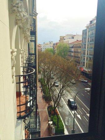 Hotel One Shot Luchana 22: View from bathroom balcony