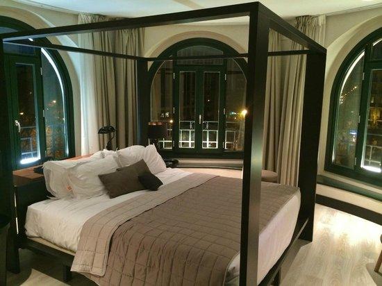 Hotel One Shot Luchana 22: Innside Loft with Views room 406 - gorgeous!
