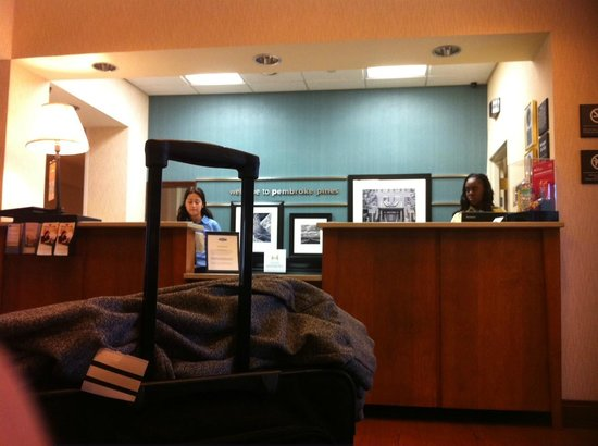 Hampton Inn Ft. Lauderdale West / Pembroke Pines: Lobby checkout